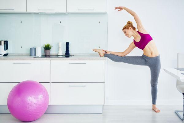 Απλές ασκήσεις μπαλέτου για να γυμνάσετε όλο το σώμα σας | imommy.gr