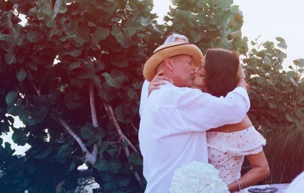 Ο Μπρους Γουίλις παντρεύτηκε ξανά με την Ντέμι Μουρ δίπλα του | imommy.gr