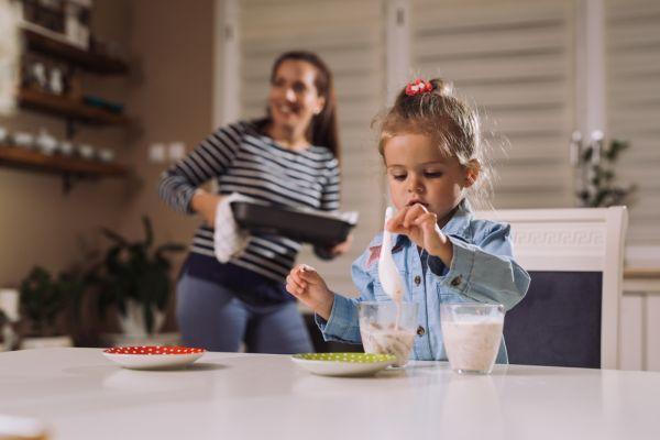 Τι σνακ πρέπει να τρώνε τα παιδιά πριν κοιμηθούν; | imommy.gr