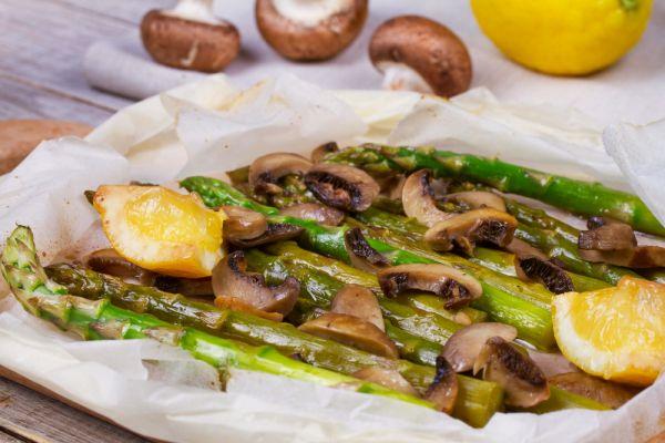 Πρωτότυπη σαλάτα με σπαράγγια και μανιτάρια   imommy.gr