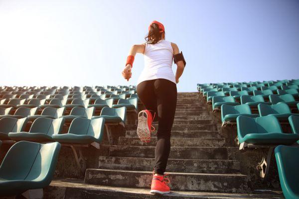 Δεκάλεπτη προπόνηση στις σκάλες | imommy.gr