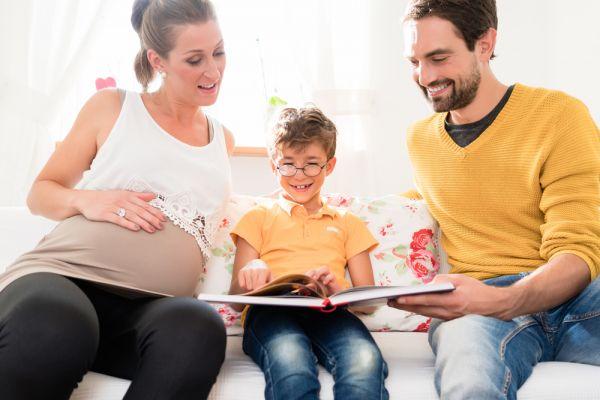 Πώς θα μεγαλώσετε σωστά το πρωτότοκό σας | imommy.gr