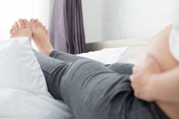 Πώς να αντιμετωπίσετε τα πρησμένα πόδια στην εγκυμοσύνη | imommy.gr