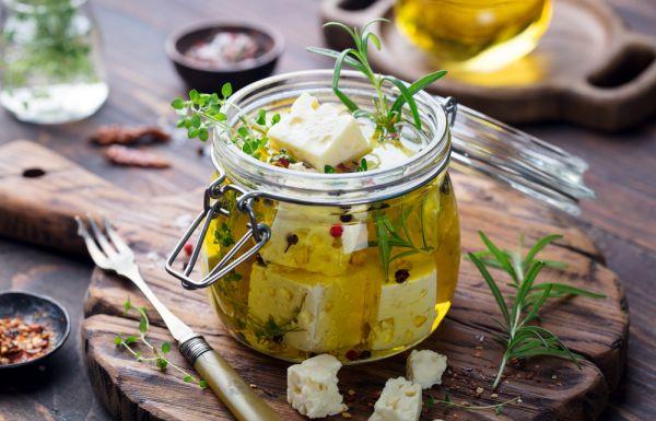 Μαριναρισμένη φέτα με θυμάρι και τσίλι | imommy.gr