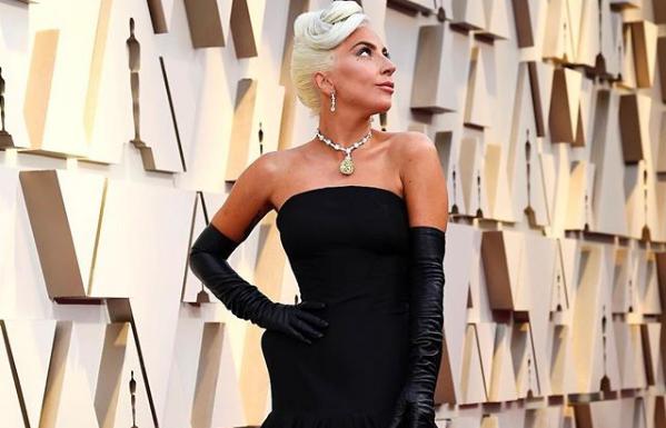 Η προπόνηση της Lady Gaga για γυμνασμένα χέρια και γραμμωμένη πλάτη | imommy.gr