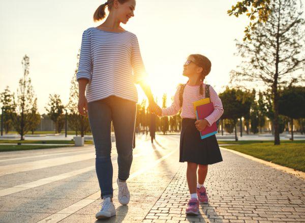 Πότε ξεκινούν οι εγγραφές στα Δημοτικά Σχολεία και Νηπιαγωγεία; | imommy.gr