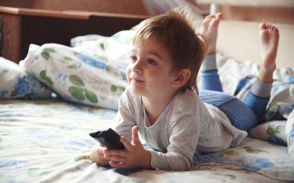 Η πολλή τηλεόραση αποτρέπει το παιδί από το να πάει στο νήπιο | imommy.gr