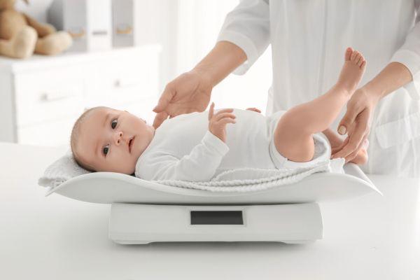 Πώς παίρνει βάρος το μωρό ανά μήνα | imommy.gr
