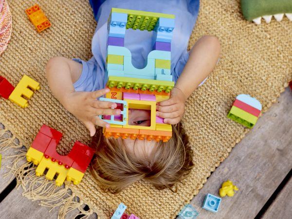 6 σημαντικές δεξιότητες που αποκτούν τα παιδιά παίζοντας | imommy.gr