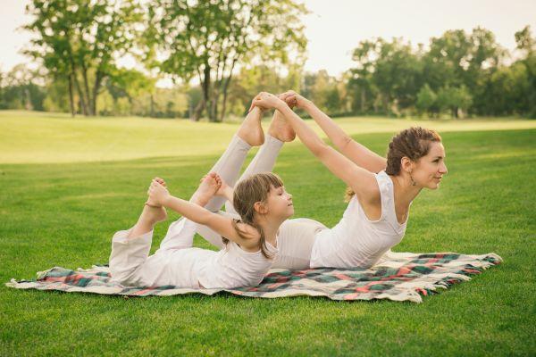 Γυμναστείτε μαζί με το παιδί σας κάνοντας γιόγκα | imommy.gr