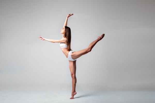 Ασκήσεις μπαλέτου για τέλεια σιλουέτα | imommy.gr