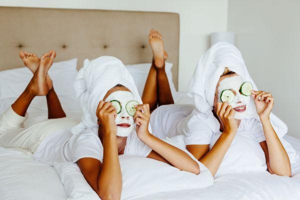 Τέσσερις μάσκες προσώπου με υλικά από την κουζίνα σας | imommy.gr