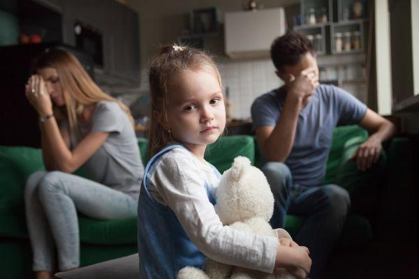 Βλάπτουν το παιδί οι καβγάδες των γονιών;   imommy.gr