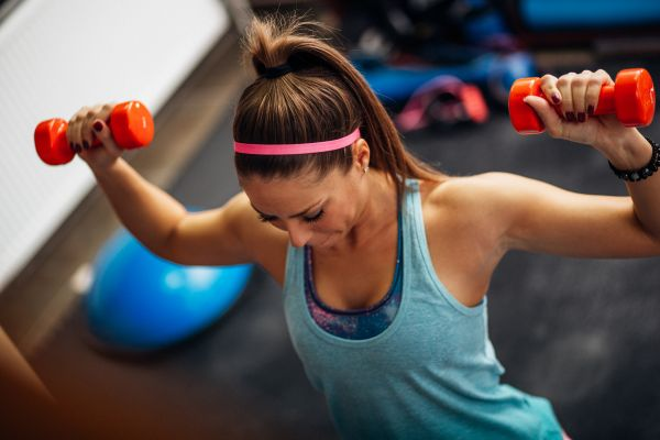 Δυνατά και σφιχτά μπράτσα με αυτές τις ασκήσεις | imommy.gr