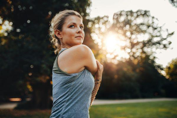 Εννιά ασκήσεις stretching που ανακουφίζουν τον πόνο | imommy.gr
