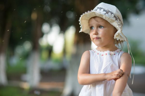 Πώς θα ανακουφίσετε το παιδί από τα τσιμπήματα των εντόμων | imommy.gr