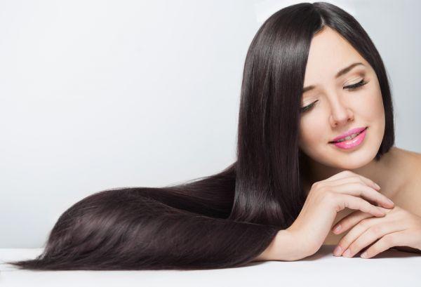 Τρεις τρόποι να ισιώσετε τα μαλλιά σας χωρίς θερμότητα | imommy.gr