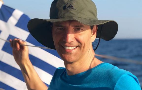 Σάκης Ρουβάς: Εξτρίμ σπορ στην Ελούντα της Κρήτης | imommy.gr