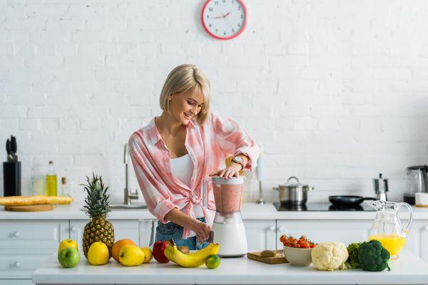 Πώς θα φτιάξετε πεντανόστιμα και υγιεινά smoothies | imommy.gr
