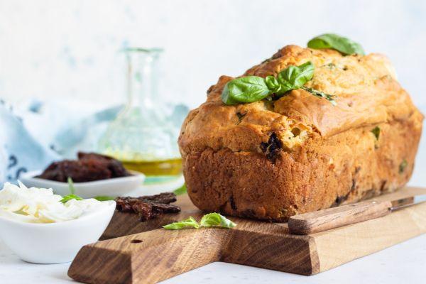 Καλοκαιρινό αλμυρό κέικ | imommy.gr