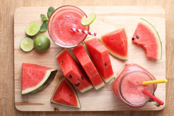 Kαταπολεμήστε την κατακράτηση υγρών με αυτό το απολαυστικό smoothie | imommy.gr