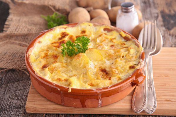 Πατάτες φούρνου με παρμεζάνα και μπέικον | imommy.gr