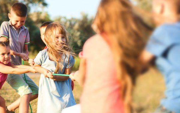 Πώς θα βοηθήσετε το παιδί να κάνει φίλους | imommy.gr