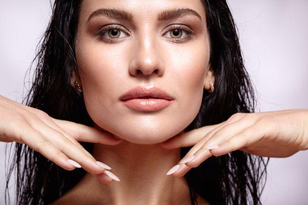 Έχετε ξηρό δέρμα; Χαρίστε του λάμψη με μια κίνηση | imommy.gr