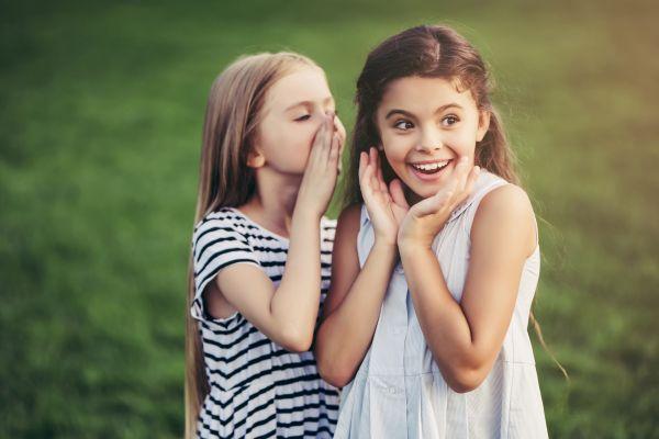 Πώς θα μιλήσω στο παιδί για τα μυστικά; | imommy.gr