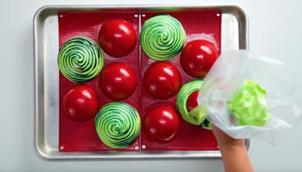 Τέσσερα εντυπωσιακά γλυκά με φρούτα | imommy.gr