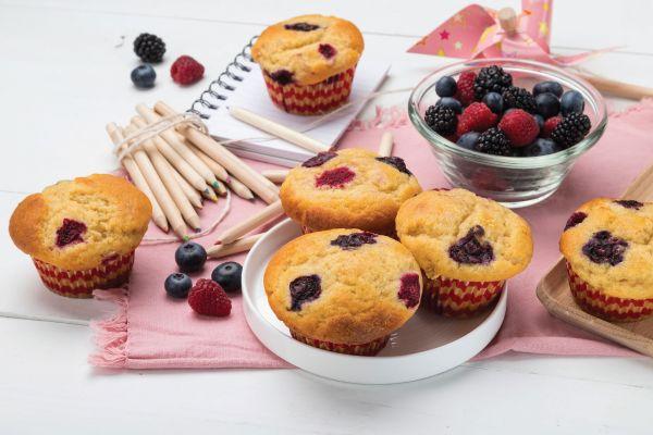 Muffins με φρούτα του δάσους   imommy.gr