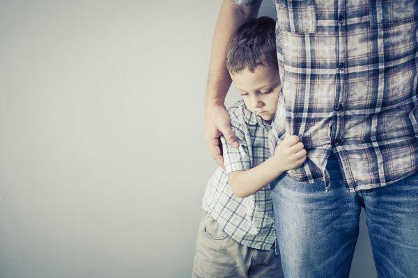 Όταν ο γονιός νοσεί: Πώς θα βοηθήσετε τα παιδιά | imommy.gr