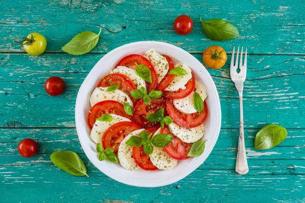 Ιταλική σαλάτα «καπρέζε» | imommy.gr