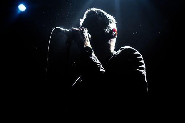 Γνωστός τραγουδιστής συγκινεί μιλώντας για τη μάχη του με τον καρκίνο | imommy.gr