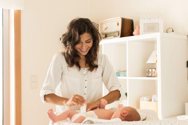 Ο πιο εύκολος τρόπος να αλλάξετε πάνα στο μωρό | imommy.gr