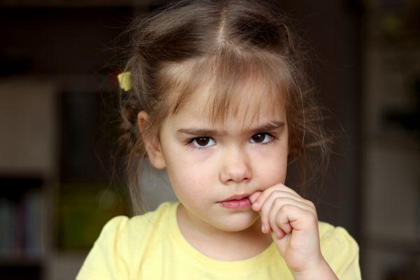 Πότε αναπτύσσουν τα νήπια αισθήματα ντροπής; | imommy.gr