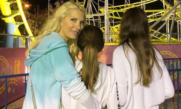 Ελένη Μενεγάκη: Οι υπέροχες φωτογραφίες με τα παιδιά της | imommy.gr