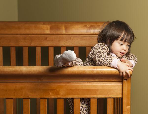 Πώς θα κρατήσετε ασφαλές ένα νήπιο που θέλει να σκαρφαλώνει διαρκώς; | imommy.gr