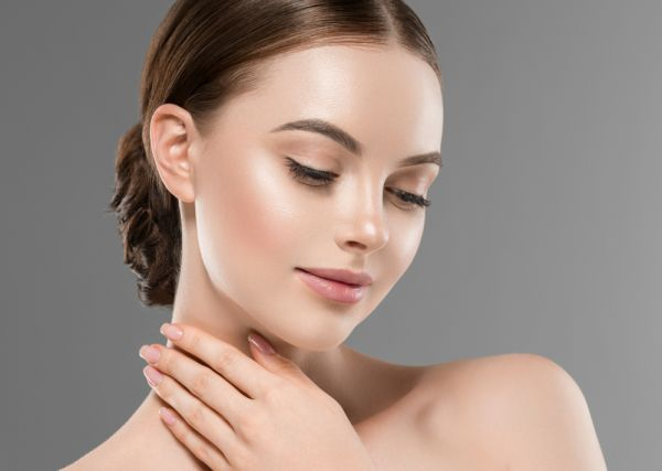 Χρειάζεστε μόνο 3 προϊόντα για το πρωινό μακιγιάζ σας | imommy.gr