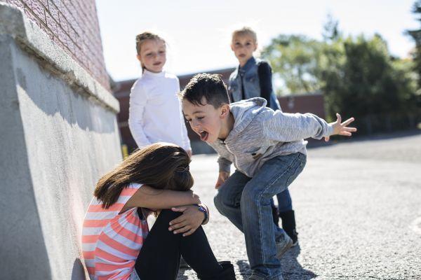Όταν το παιδί κάνει bullying στους συμμαθητές του | imommy.gr