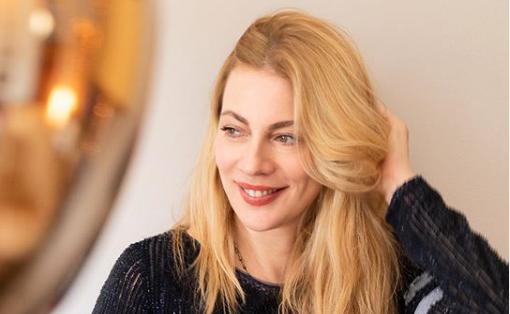 Σμαράγδα Καρύδη: «Δεν με έχω φανταστεί ποτέ με νυφικό» | imommy.gr