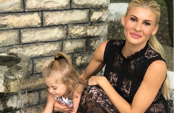 Όλγα Πηλιάκη: Η υπέροχη selfie με την κορούλα της | imommy.gr