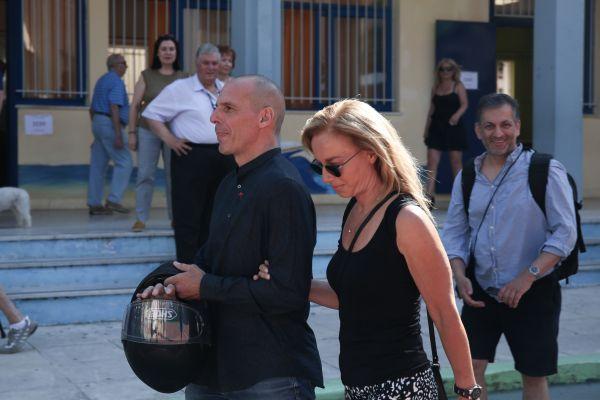 Βαρουφάκης – Στράτου : Όσα αποκάλυψαν για τον γάμο τους   imommy.gr