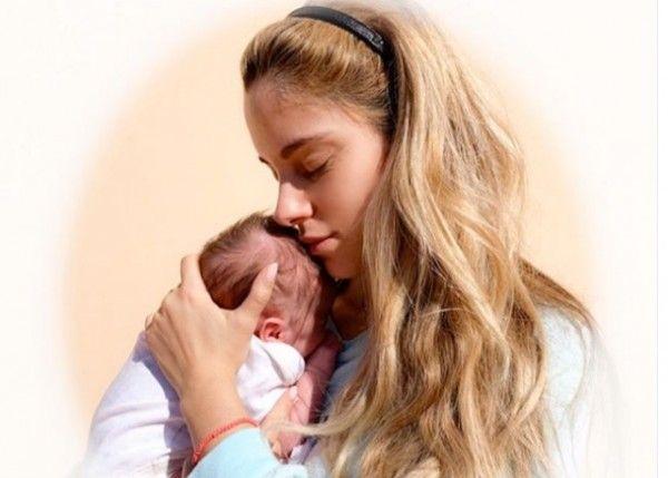 Δούκισσα Νομικού: Δείτε την υπέροχη οικογενειακή φωτογραφία που δημοσίευσε | imommy.gr