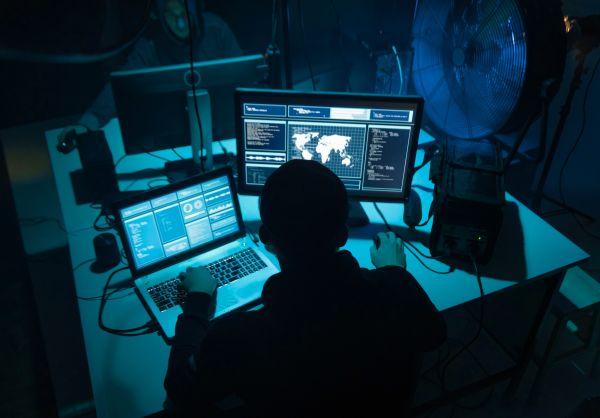 Τρομακτικό: Έτσι εκβιάζουν οι χάκερς όσους παρακολουθούν πορνό | imommy.gr