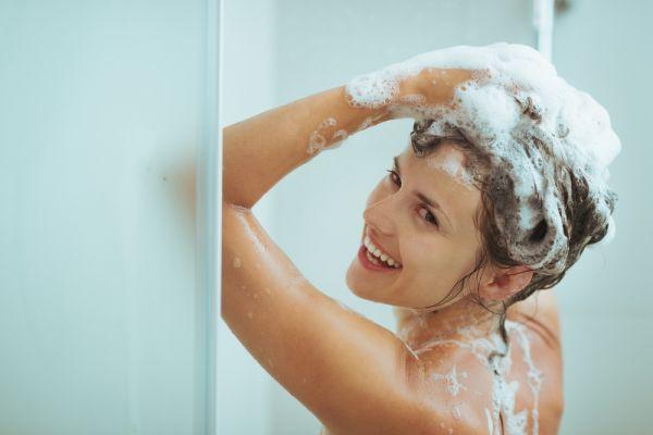 Τα συνηθισμένα λάθη που κάνετε όταν λούζεστε | imommy.gr