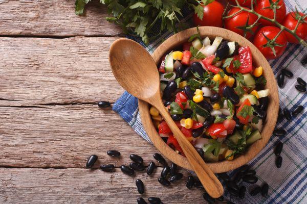 Δροσερή μεξικάνικη σαλάτα με φασόλια | imommy.gr