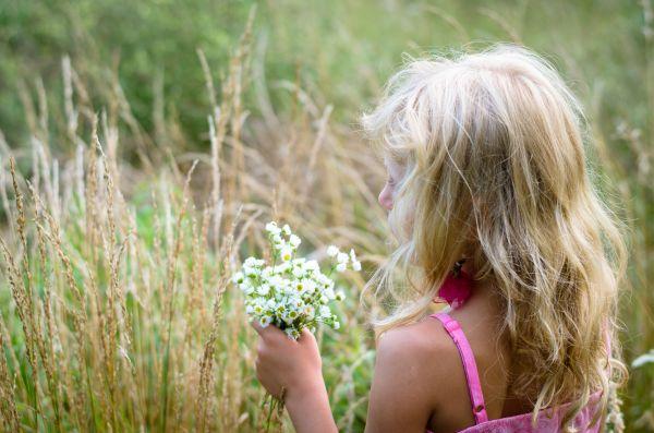 Ορφανό κοριτσάκι έστειλε κάρτα γενεθλίων στον «Παράδεισο» | imommy.gr