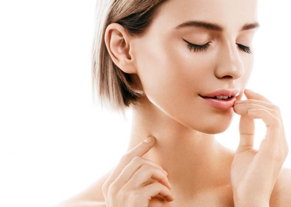Φτιάξτε το δικό σας λαδάκι για σαρκώδη χείλη στη στιγμή   imommy.gr