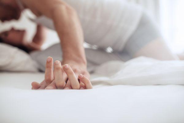 Αυτός είναι ο αριθμός στάσεων που πρέπει να αλλάζουμε στο κρεβάτι | imommy.gr